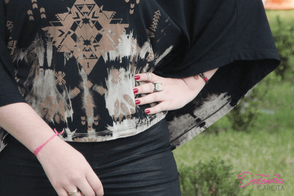 Look do dia: Blusa 5° geração, Melissa Queen Wedge, Ruiva, tattoo girl