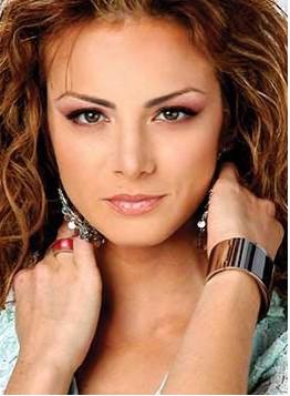 Silvia Navarro A Star From Cuando Seas Mia