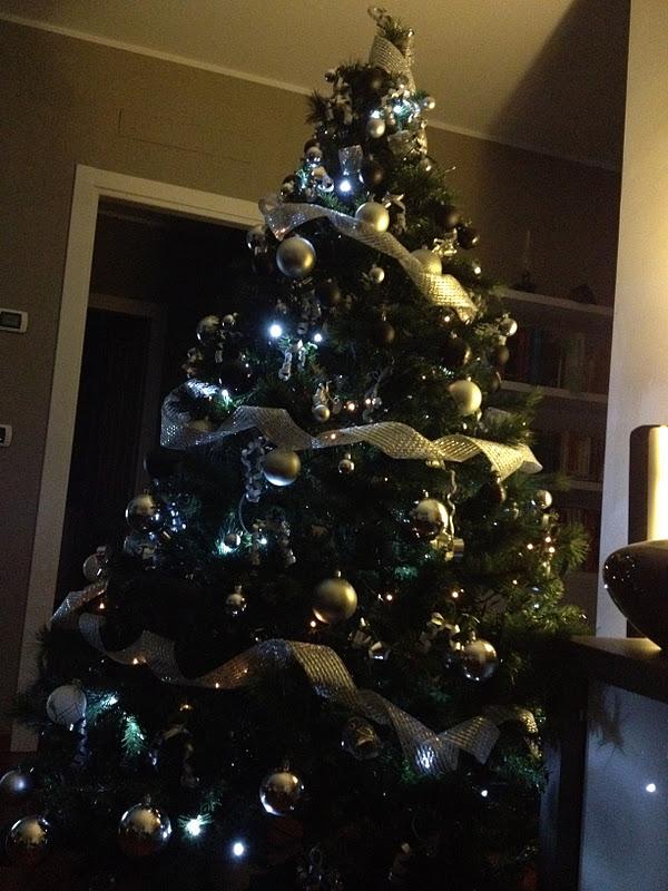 Albero Di Natale Nero E Oro.Cortigianerie Albero Di Natale 2011