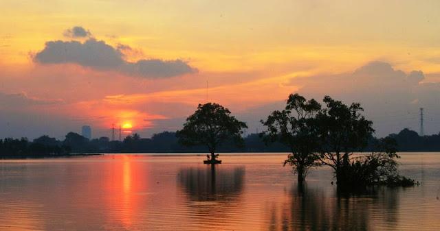 foto sunset di situ cipondoh