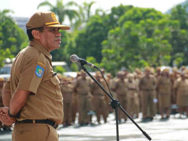 ASN Provinsi Kian Malas, Hery Dosinaen Pimpin Apel Pagi di Dok II Jayapura