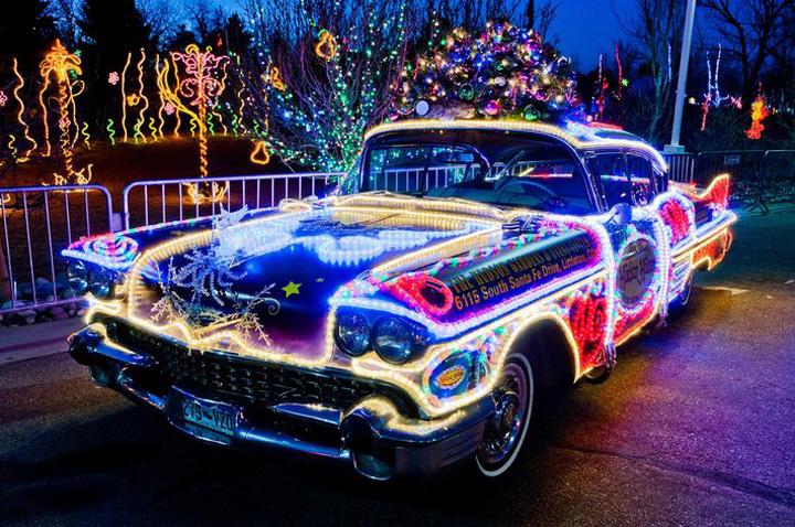 yılbaşı ışıkları ve araba resimleri