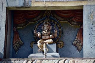 Hindu Tempel - Hindu Temple