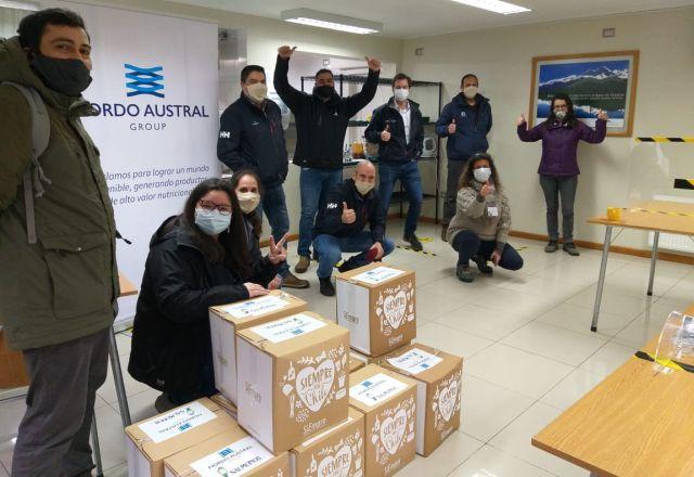Donan cajas de alimentos