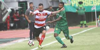 Fandri Imbiri dan kiper M. Ridho gabung Madura United1