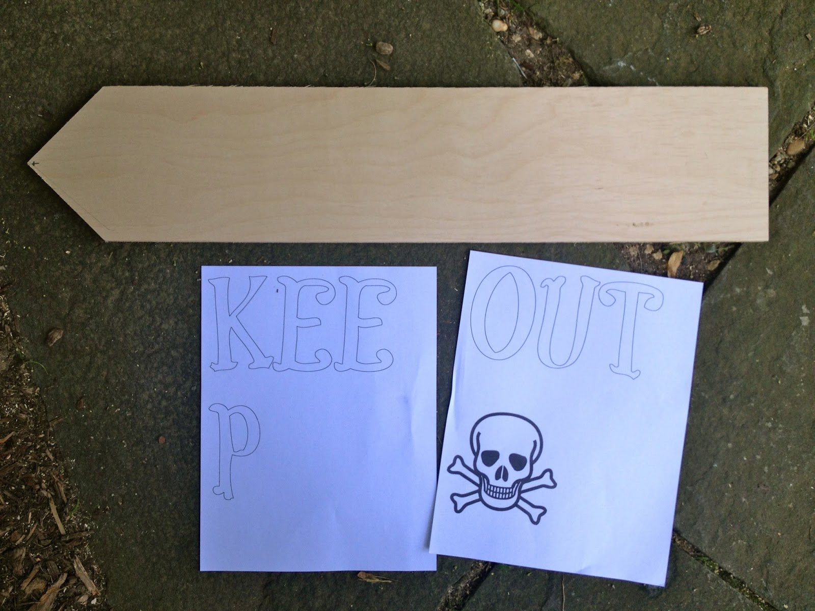 how to paint a keep out sign