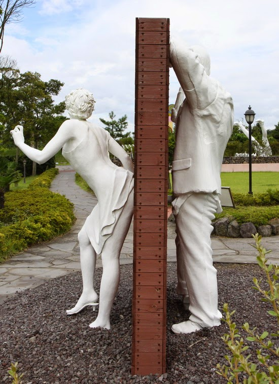 Adult Sculpture 65
