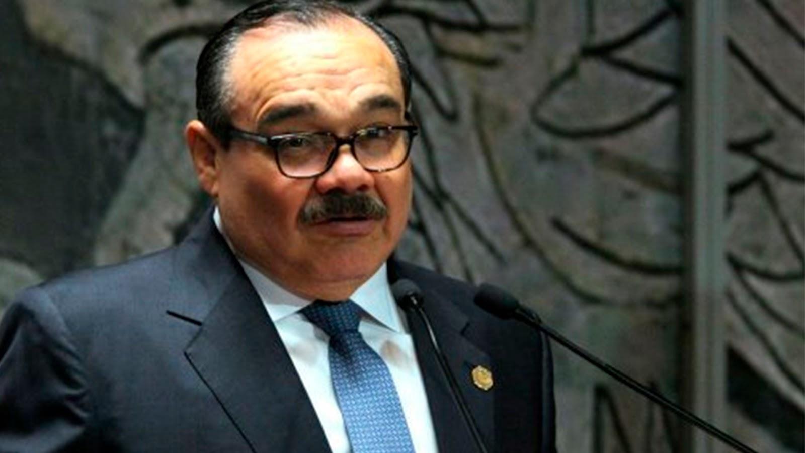 Senador del PRI dice que la economía mexicana está mejor (VÍDEO)