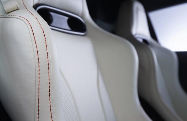アウディの新型「R8」と「ファイナルファンタジー」のコラボモデルはこんなデザイン!