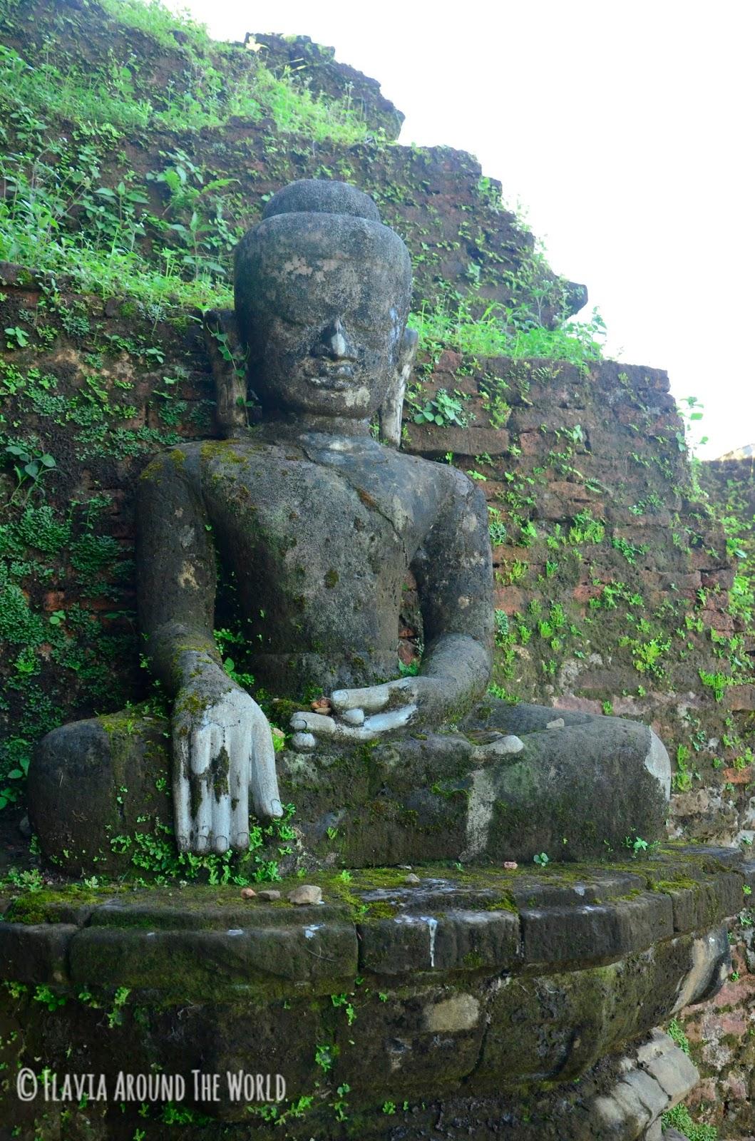 Más budas de Koethaung, Mrauk U, Myanmar