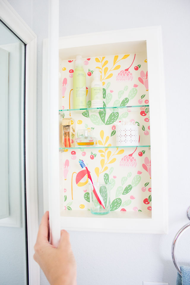 How To Decorate Your Medicine Cabinet Using Wallpaper