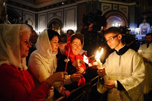 Приметы, традиции и обычаи на Пасху, http://prazdnichnymir.ru/ Пасха, пасхальная неделя, Светлое Воскресенье, праздники, праздники религиозные, Пасха православная, традиции пасхальные, обряды пасхальные, религия, праздники православные, традиции православные, угощение пасхальное, стол пасхальный, куличи, яйца пасхальные приметы и суеверия, вера, бог, церковь, праздники церковные,