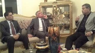 Legislador egípcio é atacado com sapato por jantar com embaixador israelense
