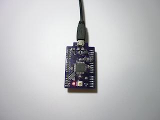 Placa Prop II em funcionamento. O LED indica que a placa está a ser alimentada.