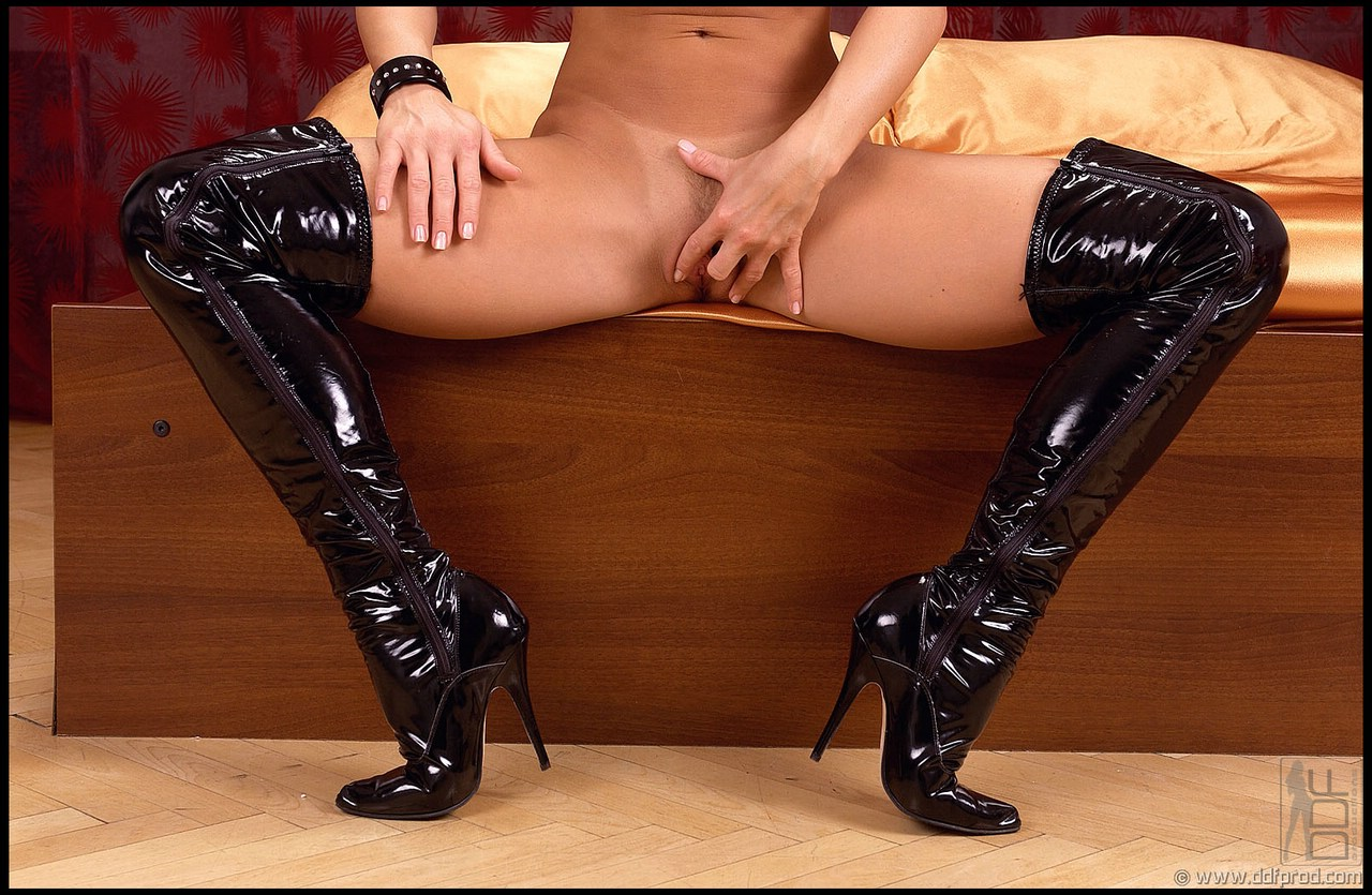 lucy boots sex kitten blog