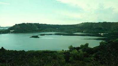 danau avernus, italia
