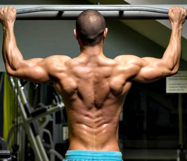 Rutina de entrenamiento brutal con ejercicios sin pesas para hombres ectomorfos muy flacos