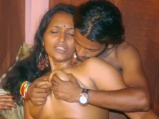 Naked women on devian art