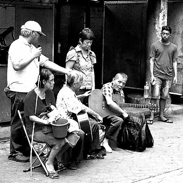 Pentax MX: Street Squares 03