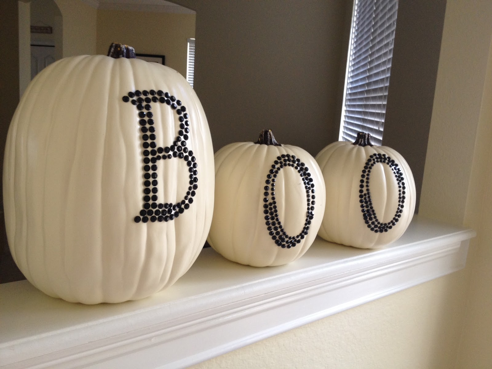 When Tara Met Blog Fall Decorating DIY Project Polka Dot and Boo Pumpkins