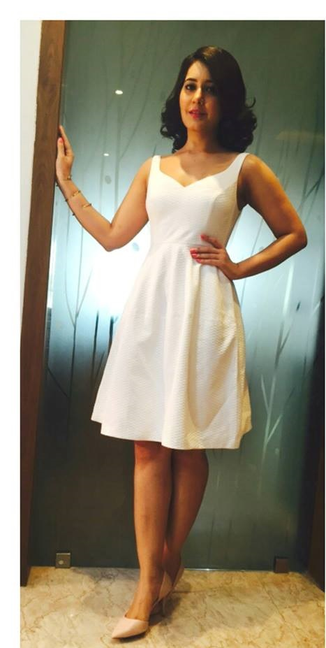 Spicy Photoshoot Of Rashi Khanna In White Top