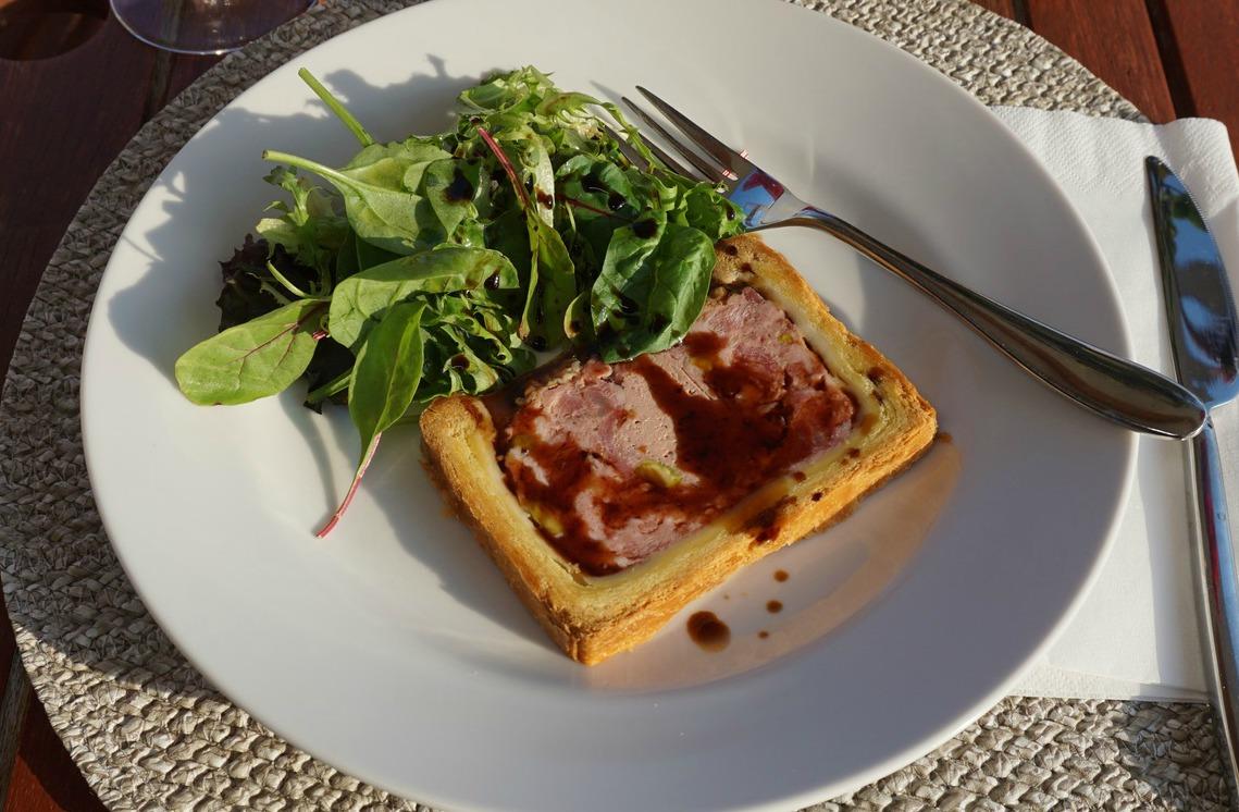 Paté-with-mesclun