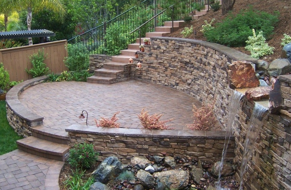 The 2 Minute Gardener Photo Tumbled Paver Patio With