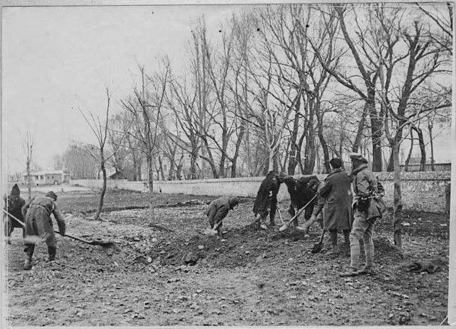 In the streets of Monastir (Bitola) (February 1917). Near the railway station, suspects working on the road to Prilep
