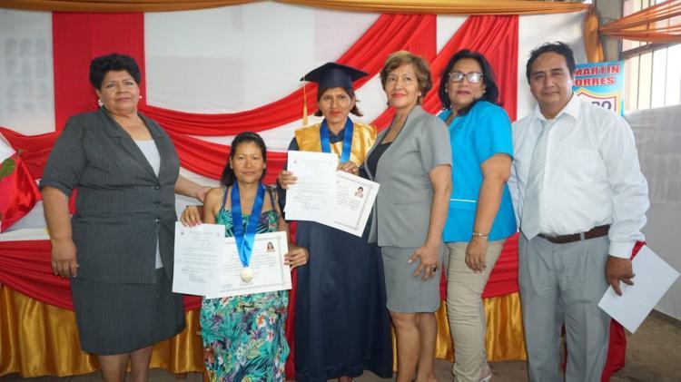 Egresados del CETPRO San Martín de Porres reciben título a nombre de MINEDU