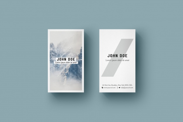 Vertical business card mock up Free Psd