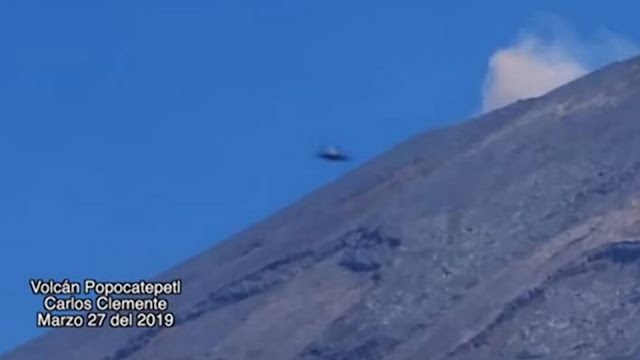 Close-up-image-of-a-UFO-flying-very-fast-past-the-volcano-Popocatepetl-in-Mexico.