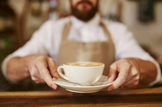 Ζητείται άτομο για πλήρη απασχόληση σε cafe και mini market