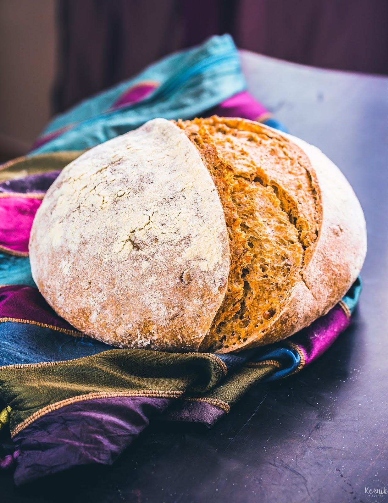 Chleb razowy na zakwasie ze słonecznikiem