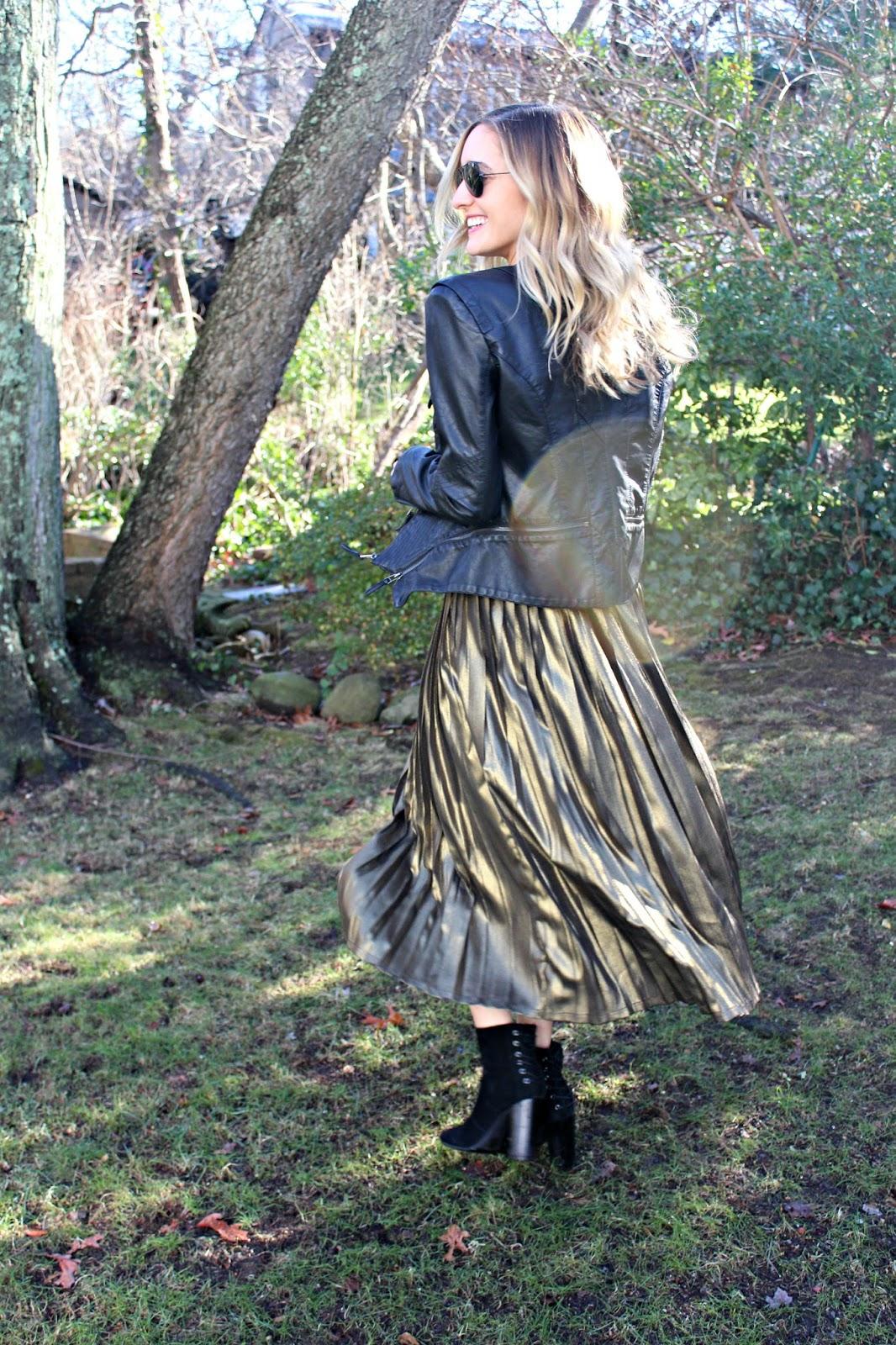 http://www.zaful.com/high-waisted-pleated-midi-skirt-p_218157.html?lkid=14189