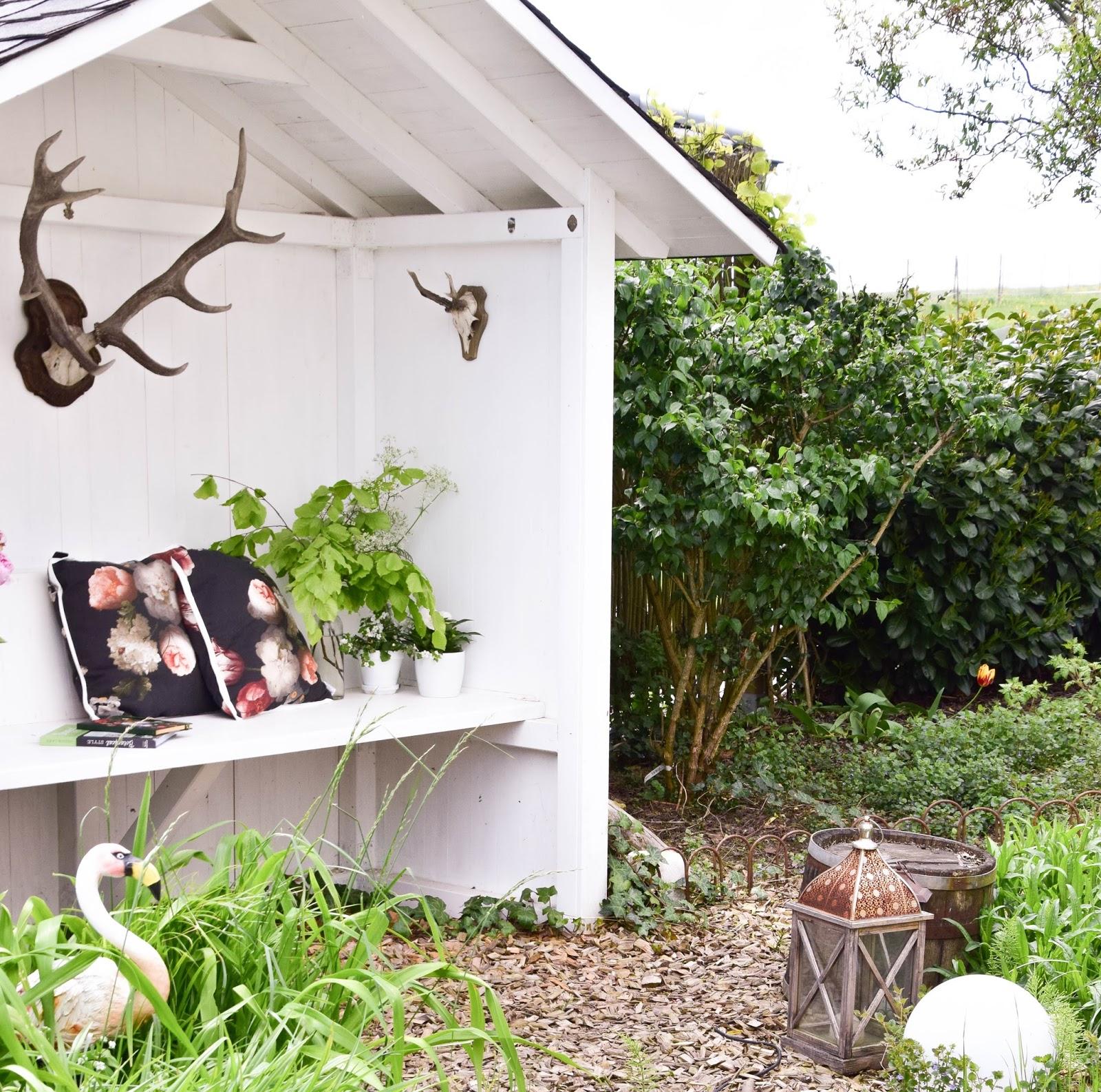 Garteneinblicke Gartenideen Teichhaus  Maigarten garten teichhaus gartenhaus deko dekoration gartendeko teich