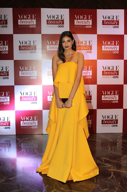 4a5dd11930 VOGUE Beauty Award 2015 - Check Out What Celebs Wore and Stole Hearts