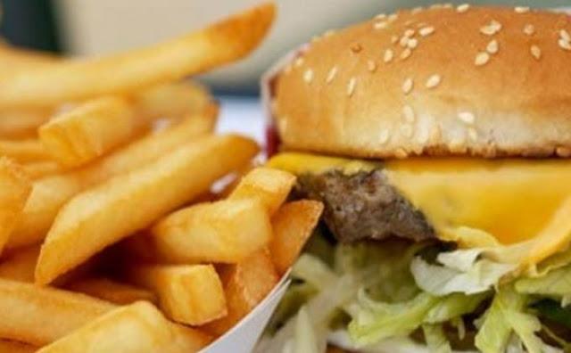 https://dominoqqwayangpoker.blogspot.com/2018/06/mau-diet-hindari-3-makanan-ini.html