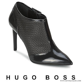 Queen Letizia wore Hugo Boss ankle boots