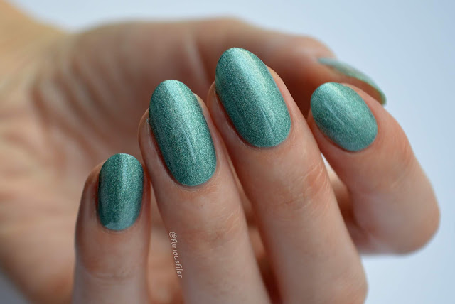 iz beauty eternally emerald swatch holographic nail polish