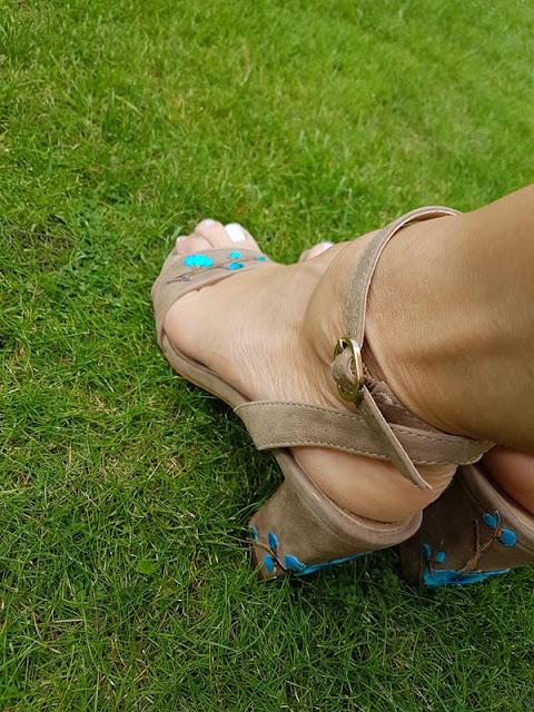 Schuhe aufpeppen mit Blumen