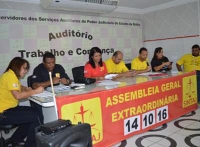 Servidores do Judiciário baiano decretaram estado de greve em assembleia