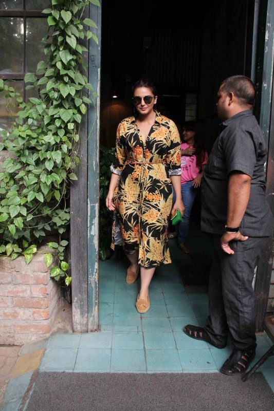 Huma Qureshi Spotted at Pali Village Cafe and Korner House