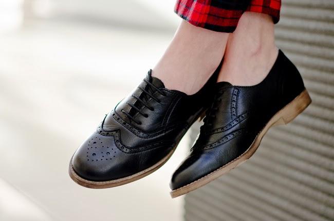 Extra Narrow Mens Golf Shoes