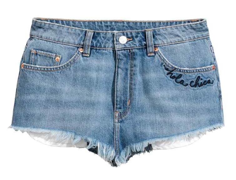 jeansowe shorty z haftem H&M, nowa kolekcja H&M, jeansowe spodenki, must have na lato 2017