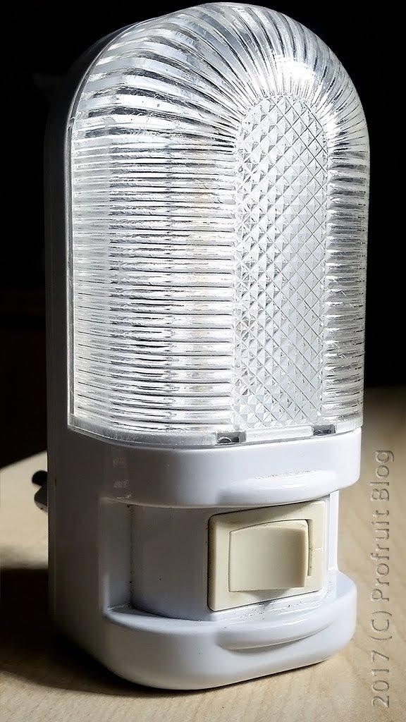 светодиодна лампа XYD558