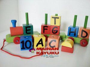 Kereta Angka Huruf Mainan Kayu