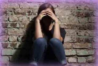 অভিমান করে স্কুল ছাত্রীর আত্মহত্যা School Girl Suicide News