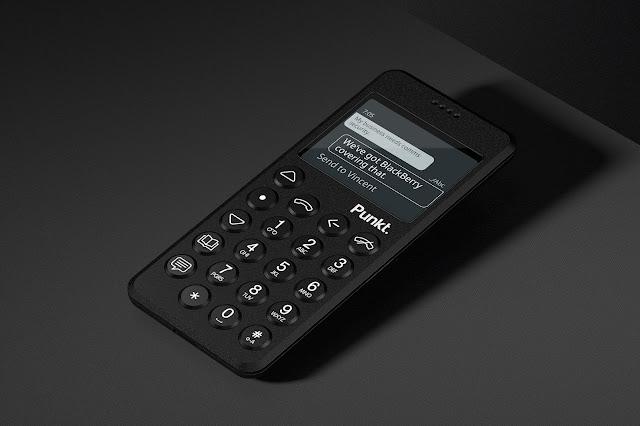 Punkt apresenta o novo telemóvel MP 02 4G no MWC19 de Barcelona