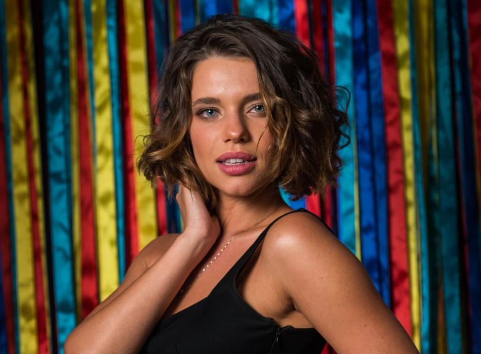 'Me definir como uma mulher lésbica é ato político', diz Bruna Linzmeyer