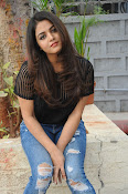 Wamiqa Gabbi stylish photo shoot-thumbnail-9